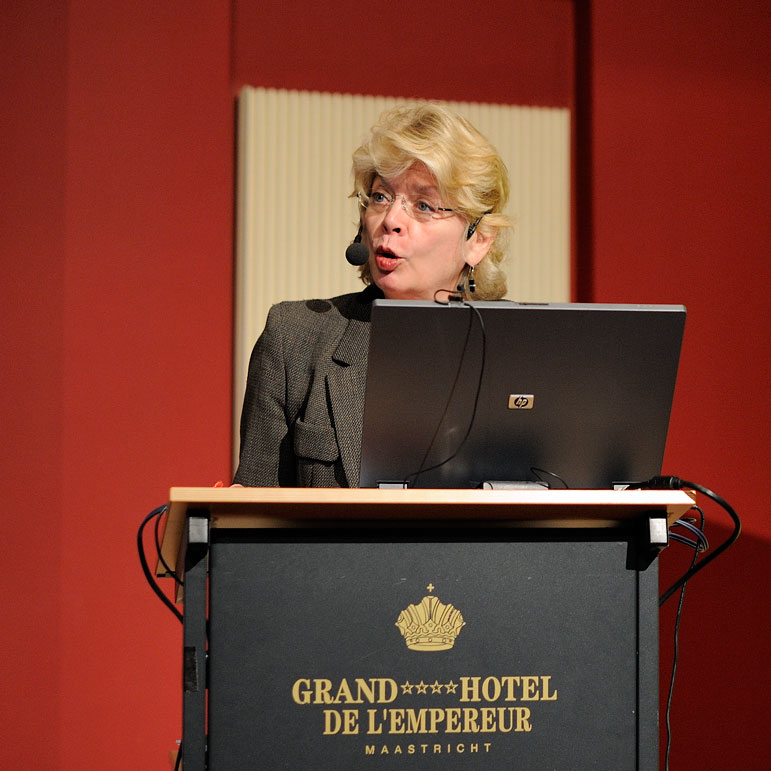 Kathleen Woodward - Foto Copyright  2011 Peter Derkx